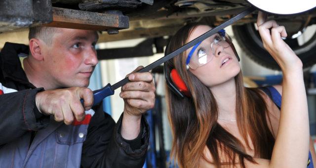 6 idées pour attirer les jeunes vers le secteur industriel