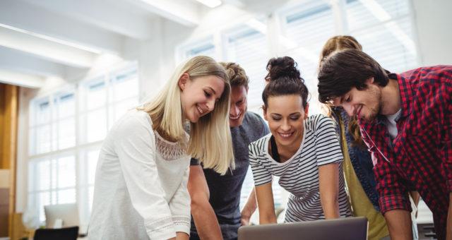 Léa Pasdeloup: «Les jeunes de la Coding Factory peuvent s'imprégner facilement de la méthode proactive»