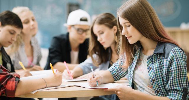 Natacha Pesneau : «Face à la génération Z, les enseignants doivent remettre en question régulièrement leur pédagogie»