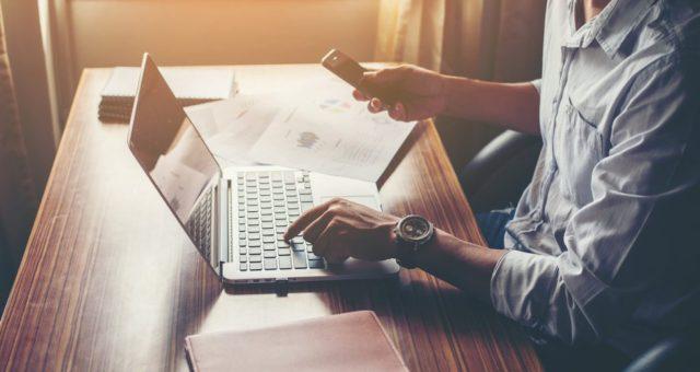 Savoir contacter une entreprise : un enjeu crucial pour les jeunes